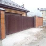 Монтаж откатных ворот в частном доме