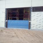 Монтаж секционных ворот в Астрахани