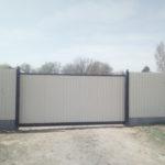 Монтаж откатных ворот консольной системы в Астрахани