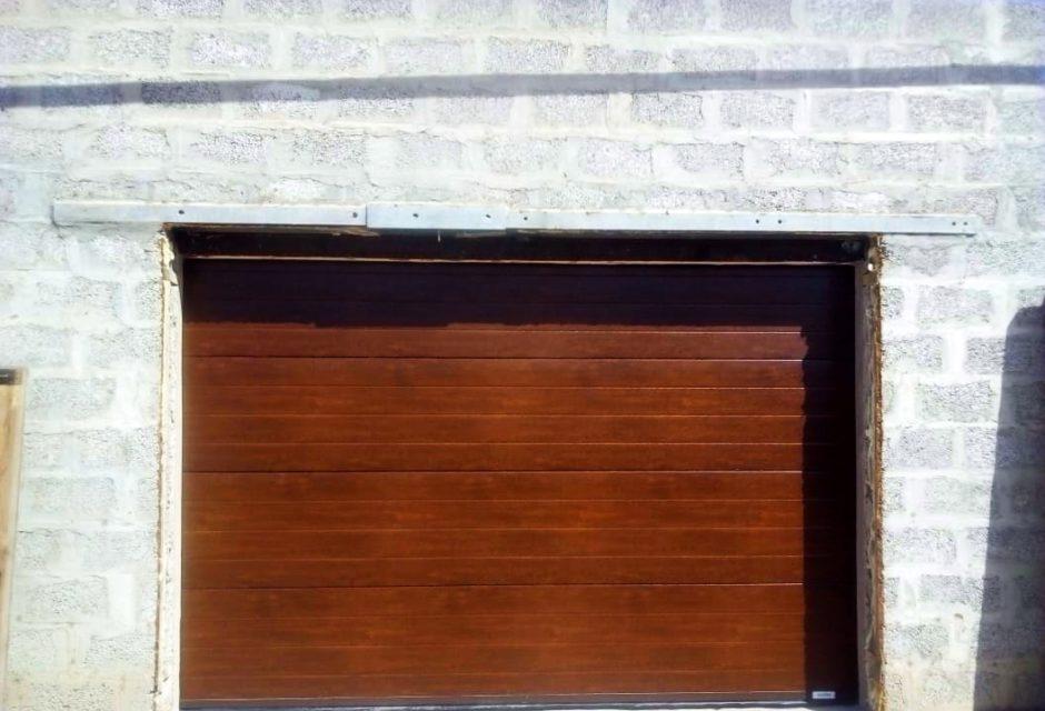 Автоматические секционные ворот Zaiger с автоматикой Sommer