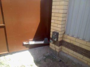 Распашные ворота с автоматикой соммер в Астрахани