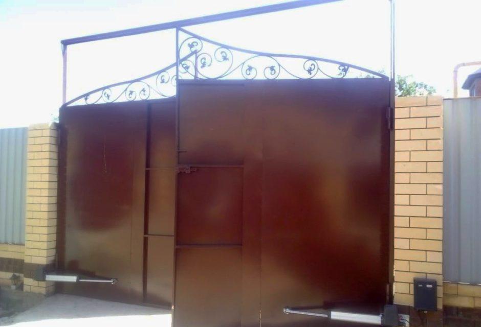Распашные ворота с автоматикой соммер